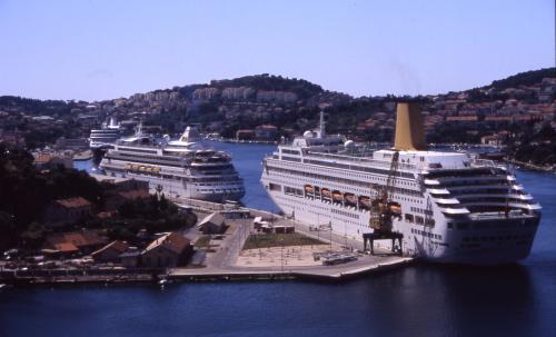 Dubrovnik, pristaniste Cruisera
